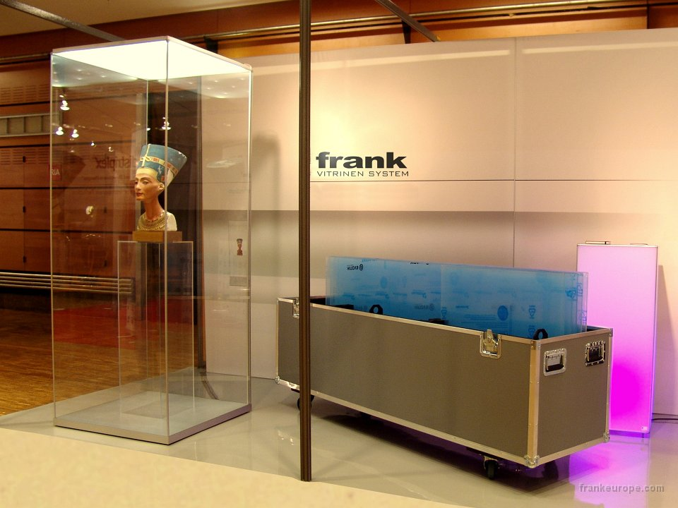 frank showcase, glass case, museum, exhibition